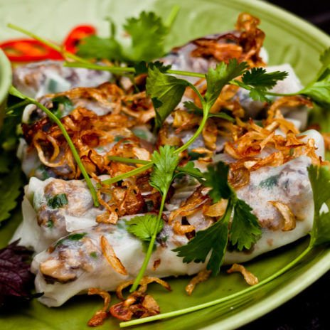 TOP 5 DISHES TO EAT IN HANOI | Vietnamese Food Lovers