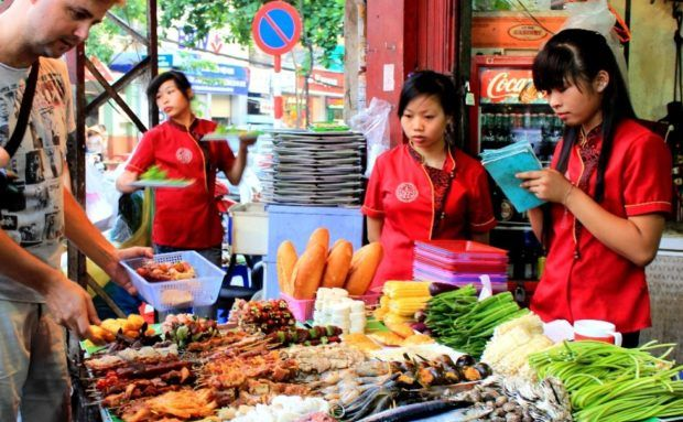 11 Best Hanoi Street Foods | Vietnamese Food Lovers