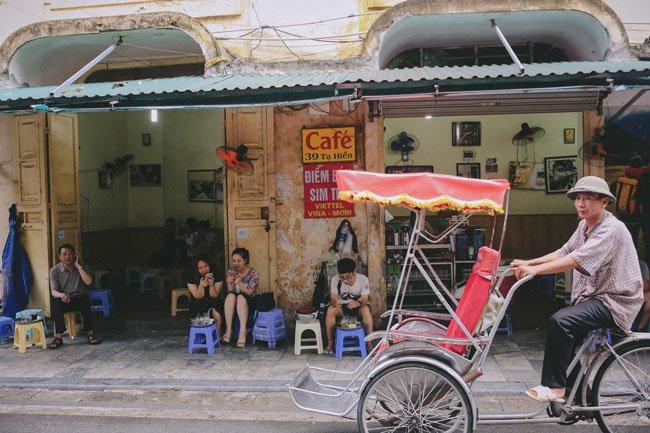 Cà phê vỉa hè Hà Nội